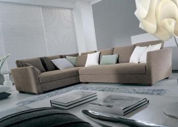 Canapea pe colț